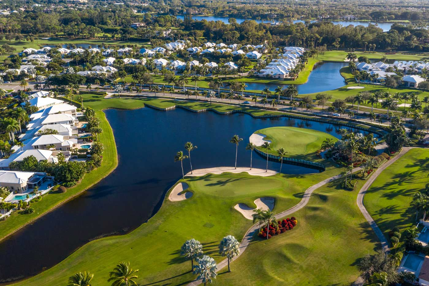 neighborhoods of Polo Club, separated by lakes and gold course | polo club of boca raton